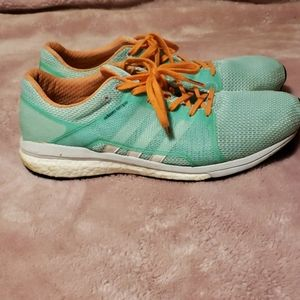 Ladies Athletic Shoes